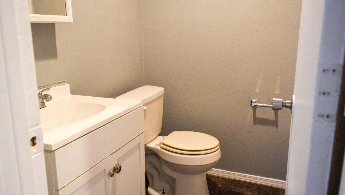 Unit C Bathroom